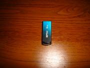 Обміняю USB-флешку 32 гб на 2-і по 16 гб із своєю доплатою.
