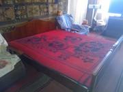 Срочно продам двухместную кровать с матрасами